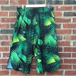 Tropical Leaf Fitness Capri Yoga Wear NWOT